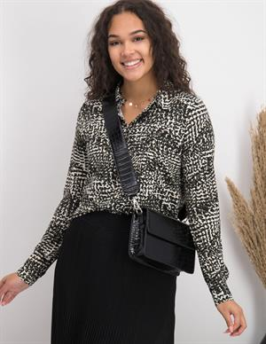 Geisha Blouse AOP irregular mix dots 03955-20
